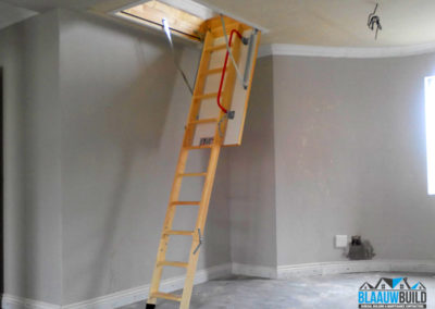 Retractable wooden loft ladder system